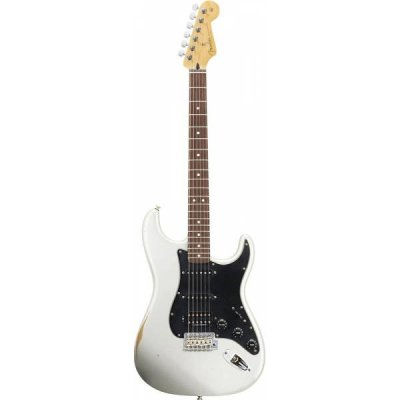 Road Worn® Player Stratocaster® HSS
